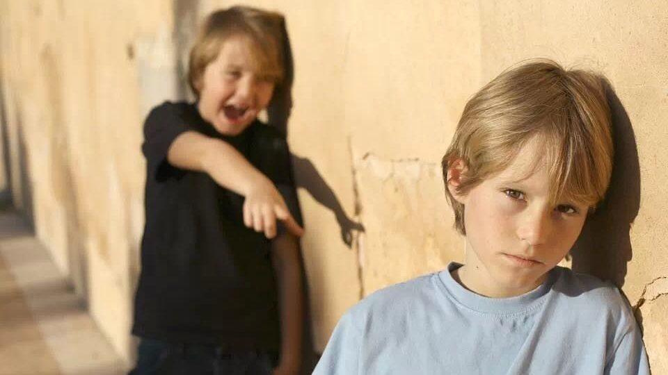 Kids WT 2 Jungs Mobbing