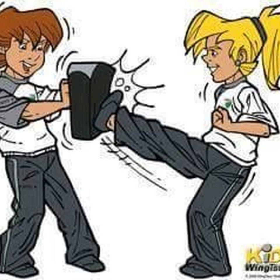 Kids-WT-Mädchen-kickt-comic